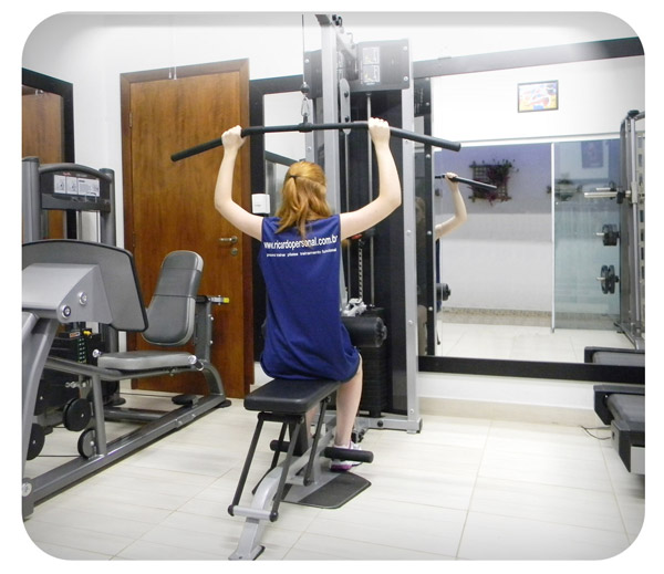 Foto do Equipamento - Lat Pulldown